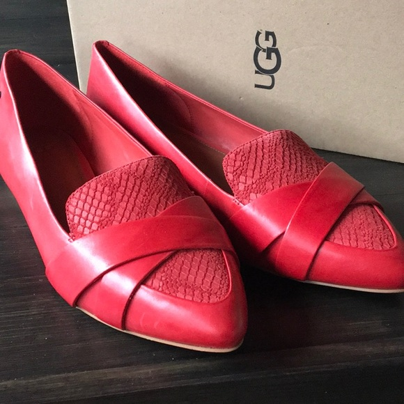 UGG W Alexa Red Pointed Toe Flats
